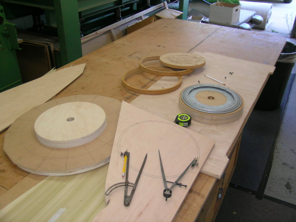 Circle hardware with lazy susan, disks and hoops